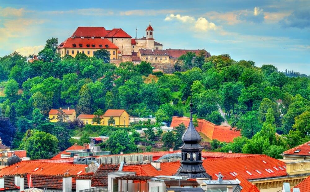 Uitzicht op het Spilberk-Kasteel in Brno - Moravië, Tsjechische Republiek