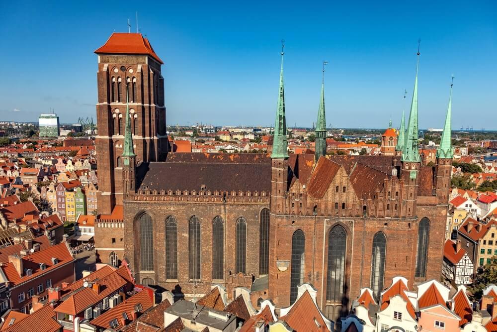 Het uitzicht van bovenaf op St. Mary's Cathedral in Gdansk, Polen.