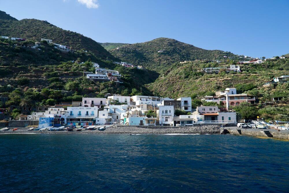 Italië Sicilië Eolische eilanden Alicudi Island, de haven.