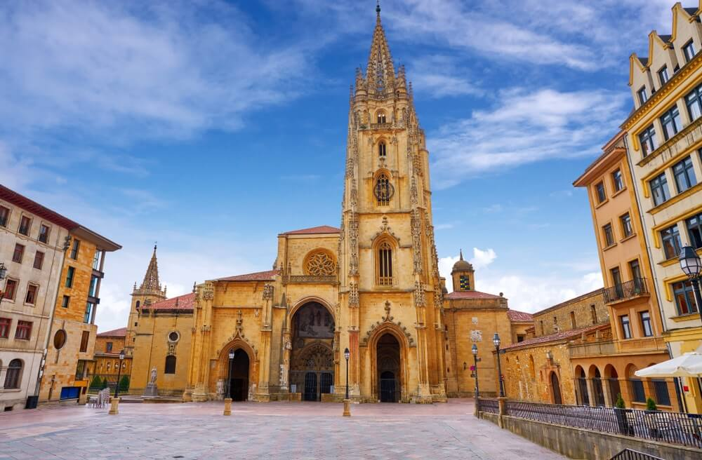 Kathedraal van Oviedo in Asturië van Spanje.