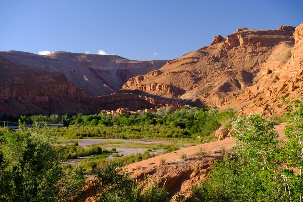 Rozenvallei boven Kalaat M'Gouna in Marokko.