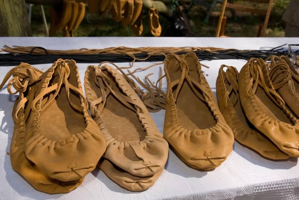 Traditioneel kostuumelement - schoeisel.