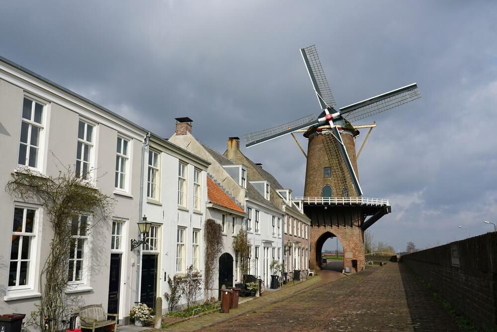 Windmolen in Hanzestad Wijk bij Duurstede in Nederland