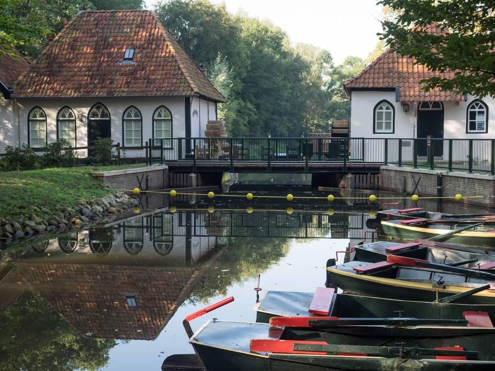 De historische watermolen bij Winterswijk, Gelderland.