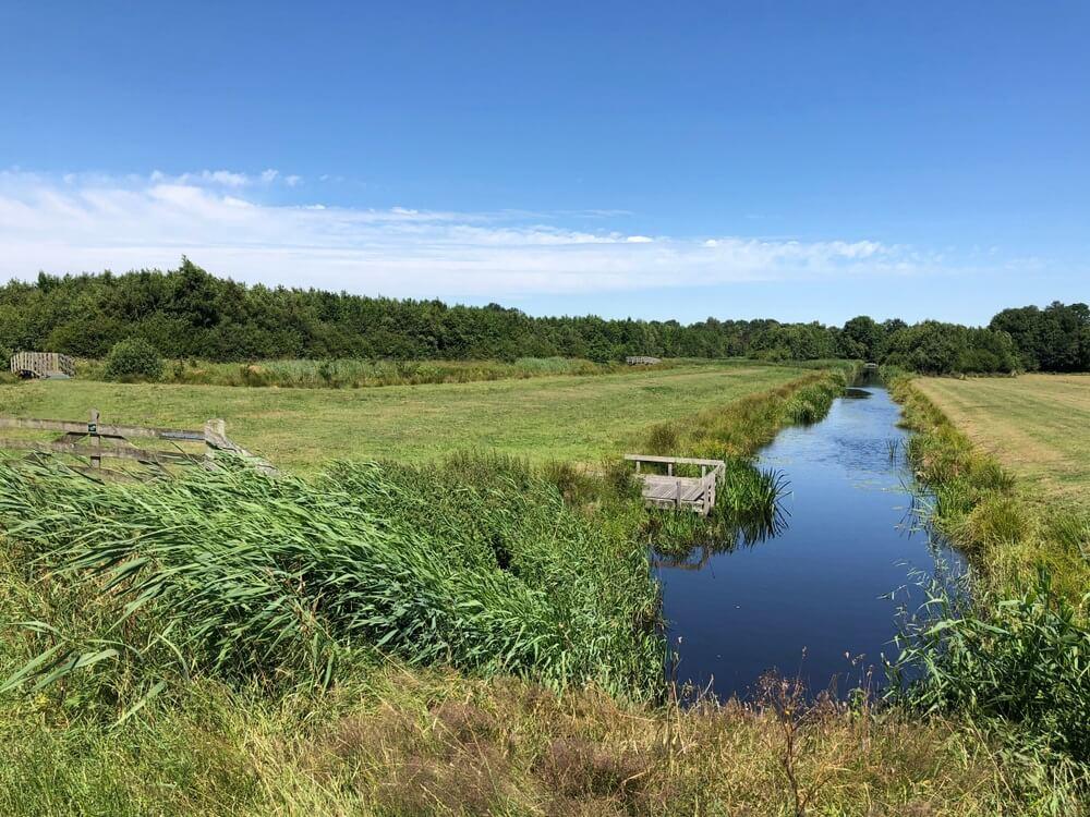 Kanaal in het Nationaal Park Alde Feanen in Friesland Nederland; Nationale Parken in Nederland.
