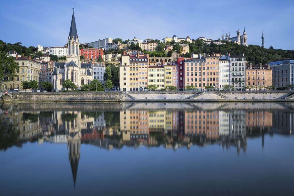 Prachtig uitzicht op de rivier de Saone in Lyon, Frankrijk.