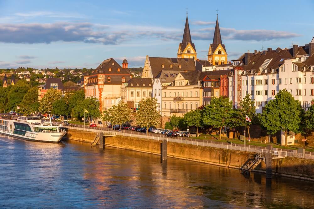 Panorama van Koblenz en de Moezel. Koblenz, Rijnland-Palts, Duitsland.