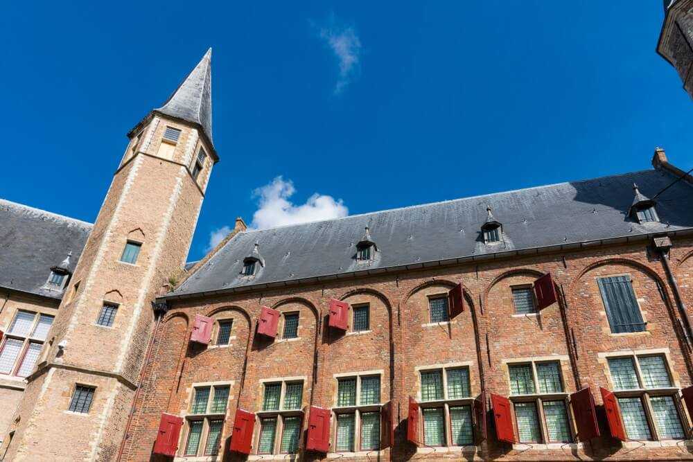 De abdij van Middelburg met daarin het Zeeuws Museum.