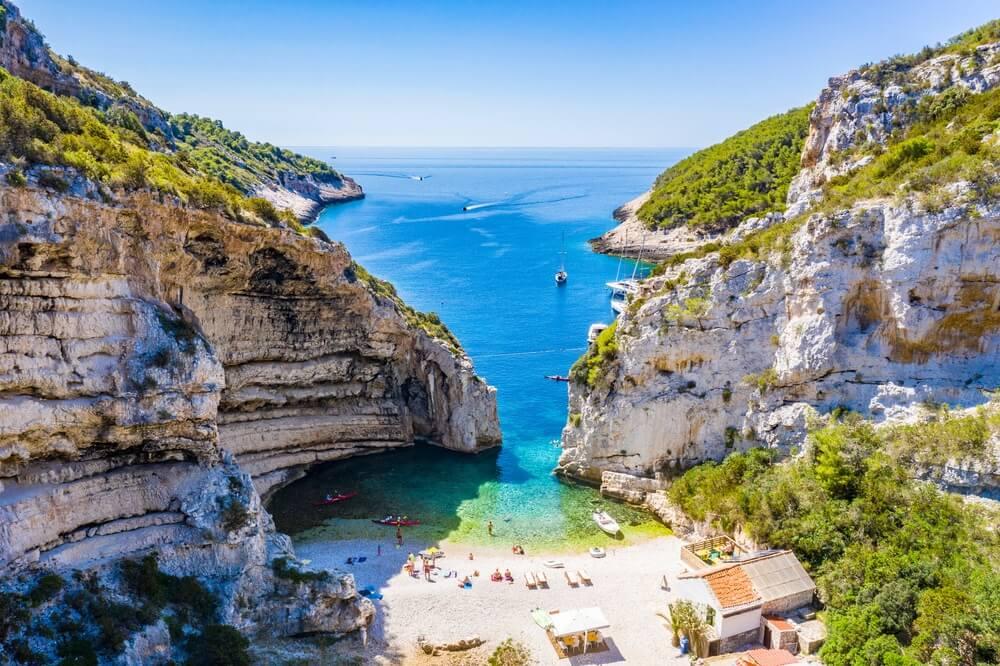 Stiniva strand, Vis, Kroatië