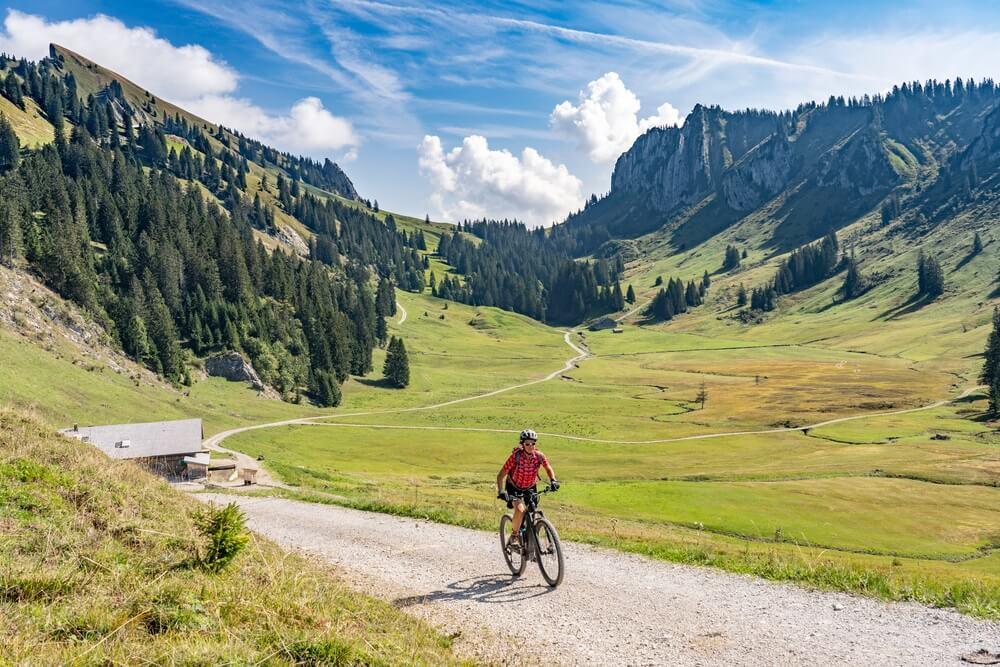 Touren met een E-bike; de nieuwe vakantietrend